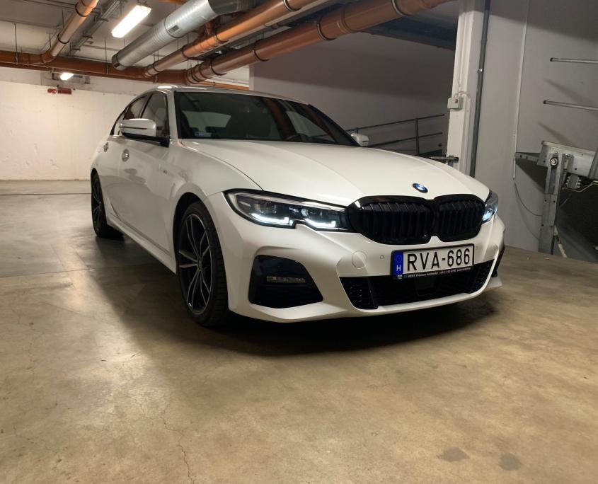 BMW 320d xDrive<RVA686 /> (AUTOMATA)