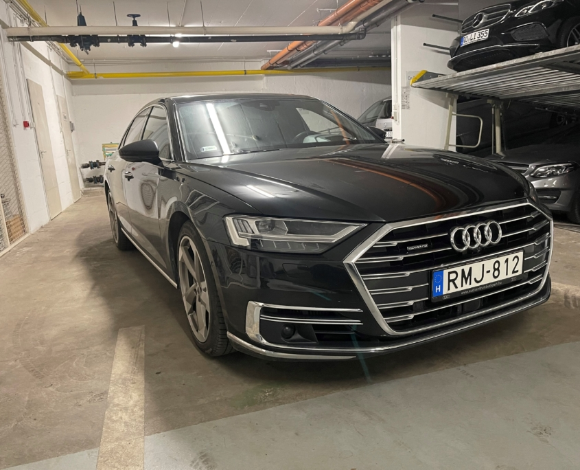 Audi A8 50TDI<br /> (Automata)